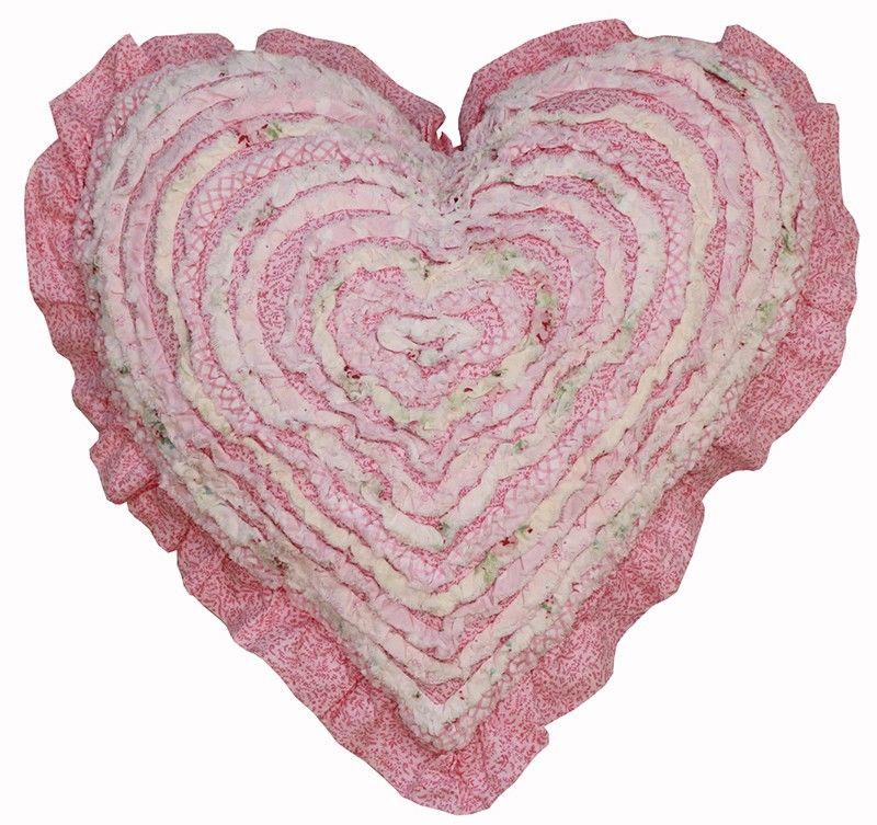 1132 Mia Heart Cushion